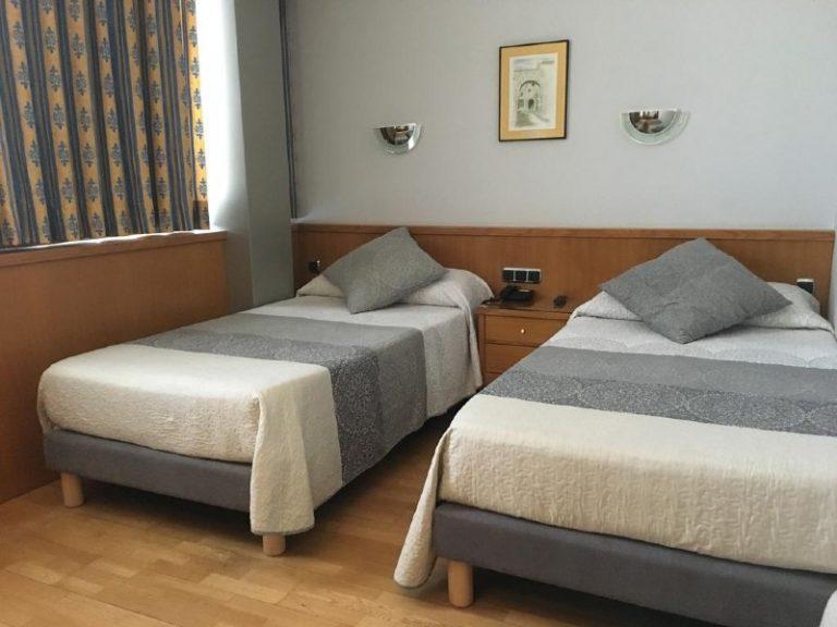 hospedium-hotel-encasa-habitacion doble 2 camas